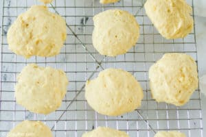baked pineapple cookies cooling on a wire rack