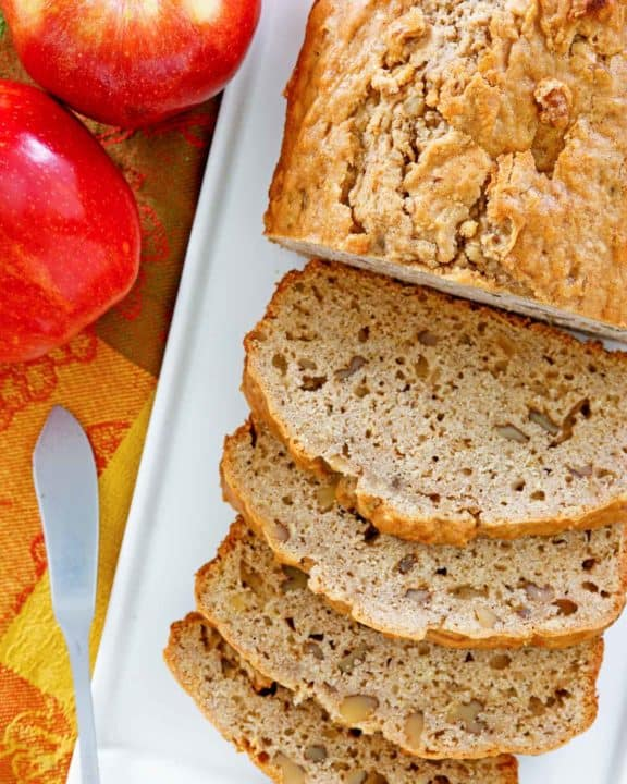 apple bread and fresh apples.